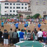 """""""Txaparrotan"""" Campeonato de balonmano playa"""