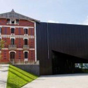 Museo Cristóbal Balenciaga Museoa