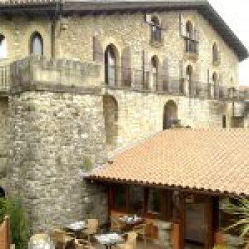 Palacio Etxebestenea (Hotel Obispo)