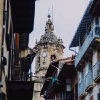 Iglesia de Nuestra Señora de la Asunción y el Manzano